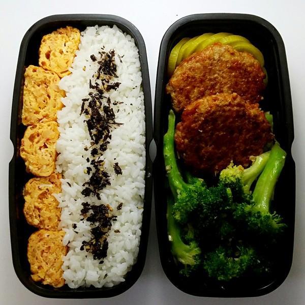 单位食堂油水太大,我想自己炒菜带到班上,然后从食堂买主食一起吃。有比较好的快手菜,便当菜的菜谱吗?相关的图片