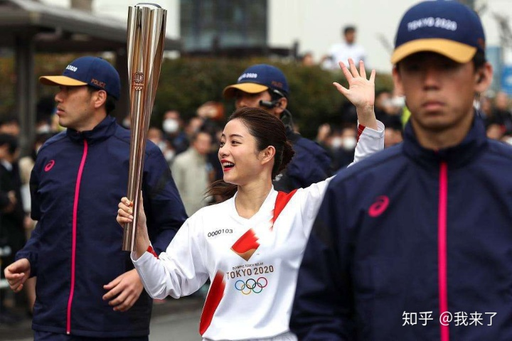 奥运火炬传交日本