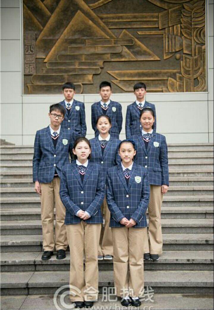 中国高中生女生穿搭?颈肩劳累高中生图片