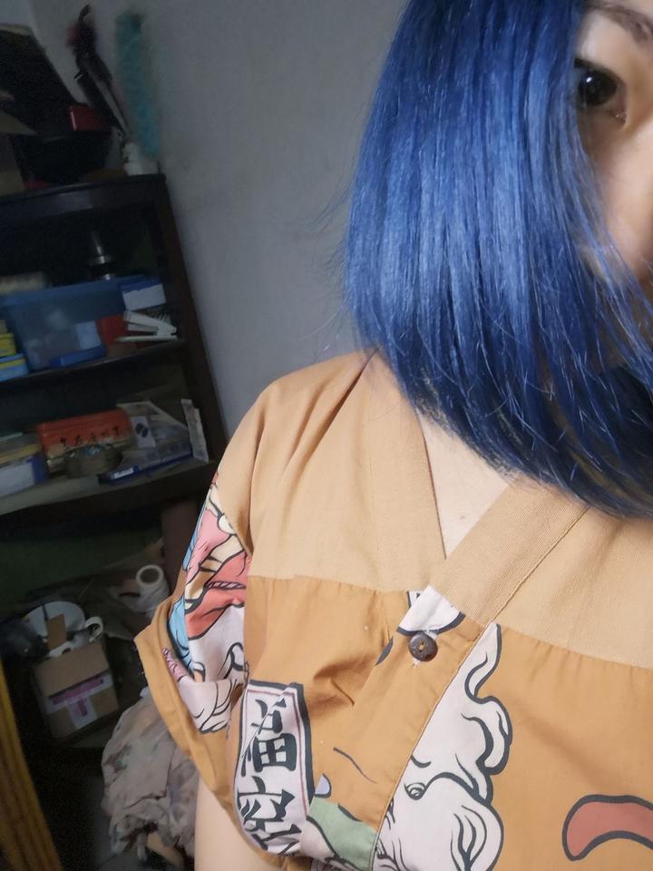 留蓝色头发什么体验?图片