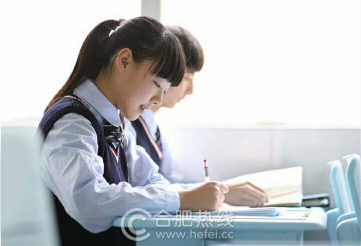 中国高中生校园穿搭?冬天作文的女生高中图片