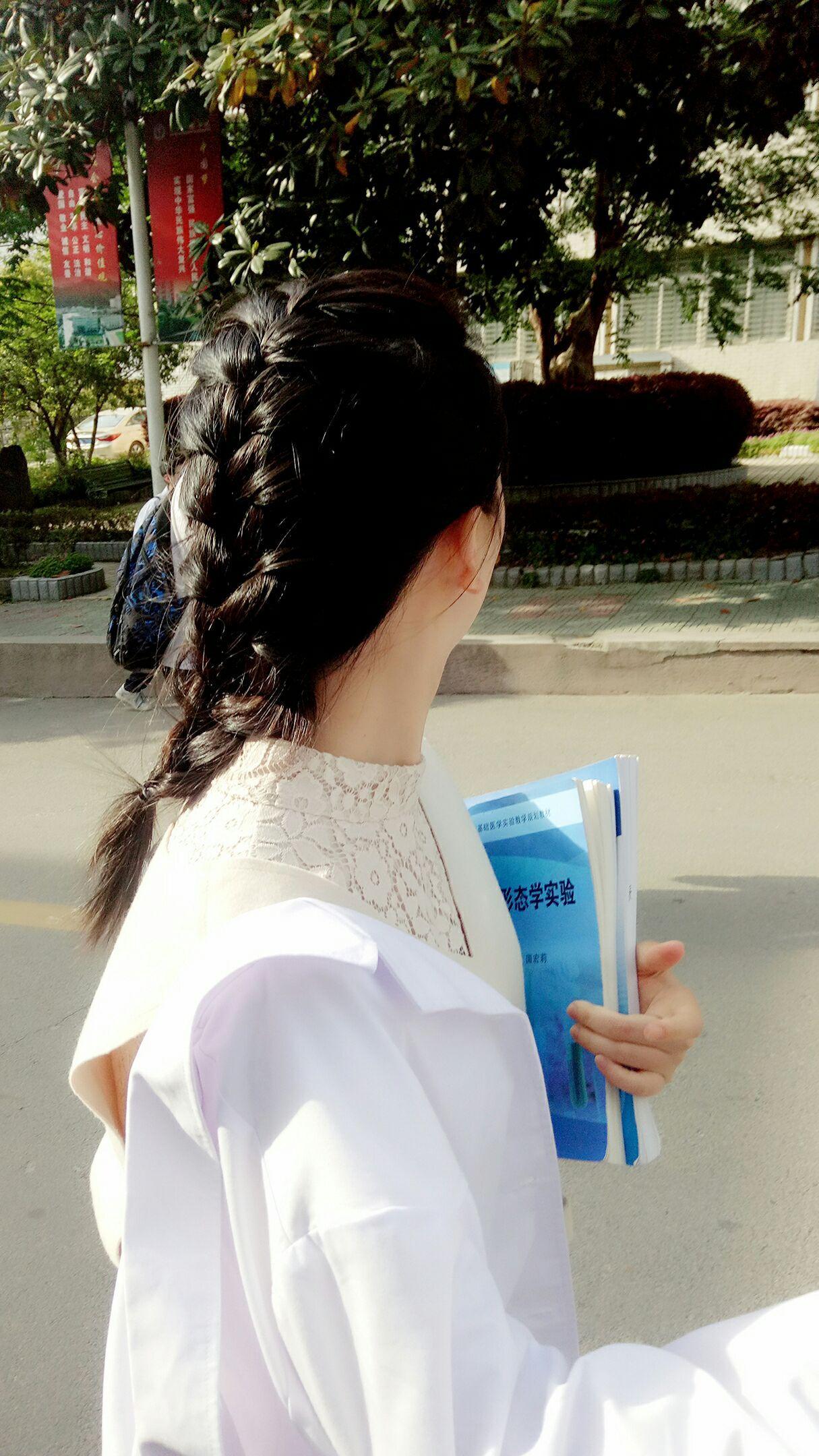 大学时突然表白高中同学的收到是v大学?同学李易峰龙韵高中图片