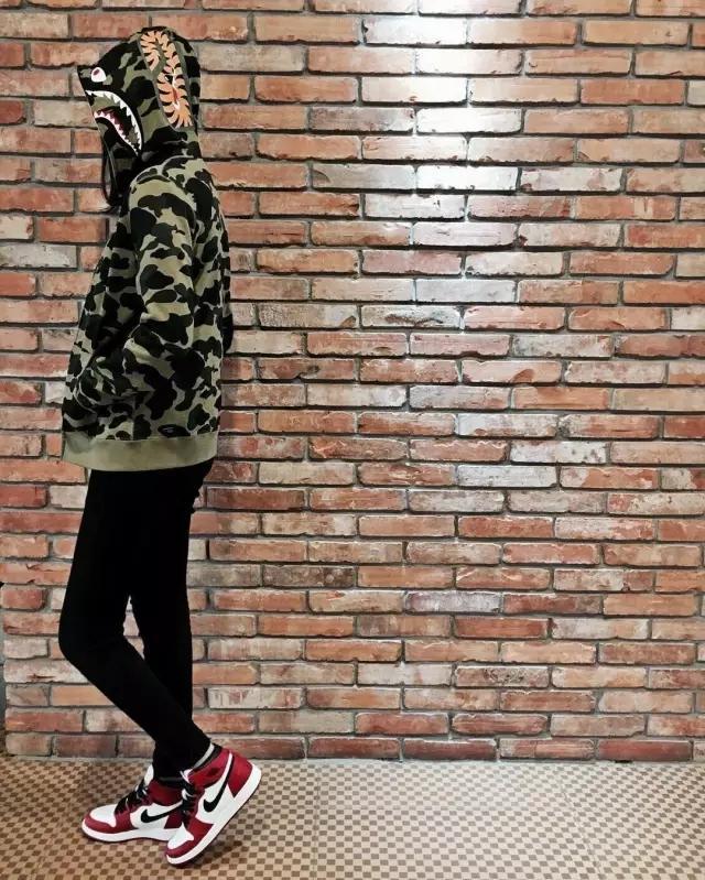 乔丹标志_为什么男人都喜欢穿Air Jordan的女生?
