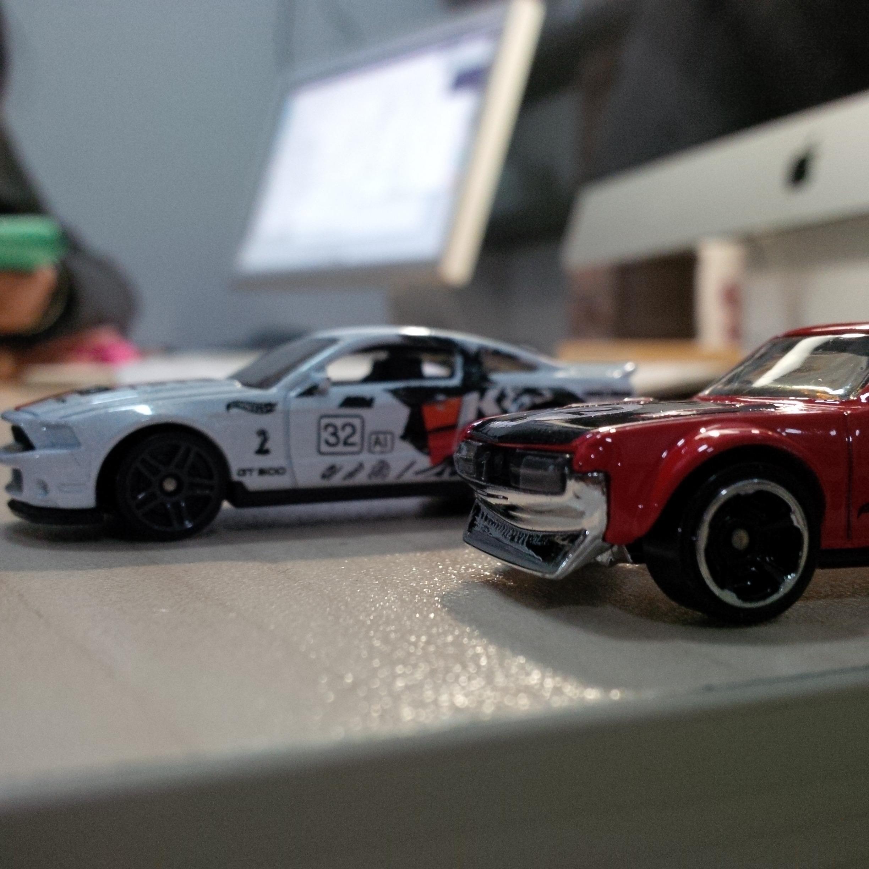 哪个牌子的 1:18 车模质量最好、型号最全?