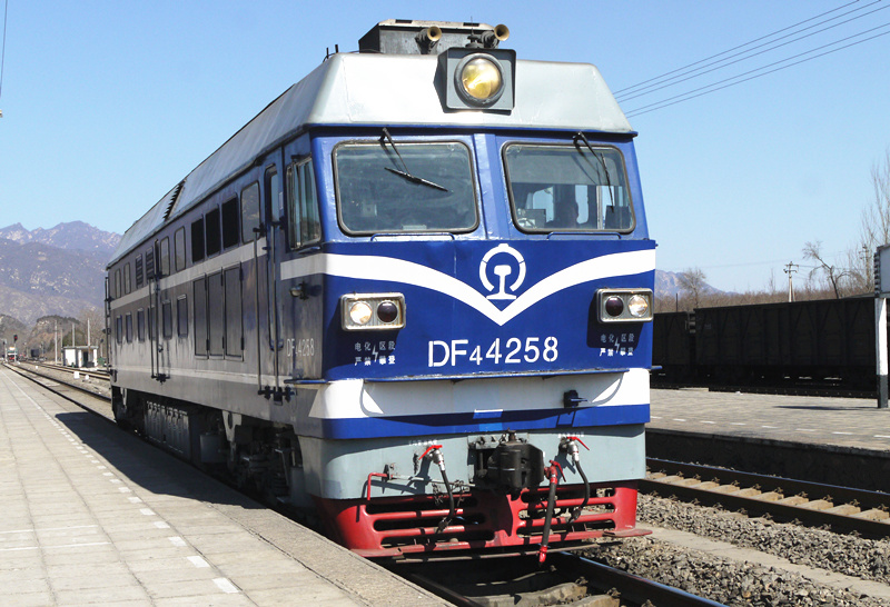 中国最大的老虎温_在国内,如何快速分辨一列铁路客运列车(机车和客车)是什么 ...