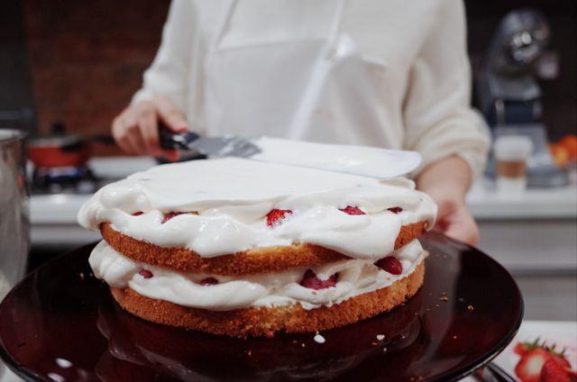 食谱 | 狂放不羁的草莓裸蛋糕