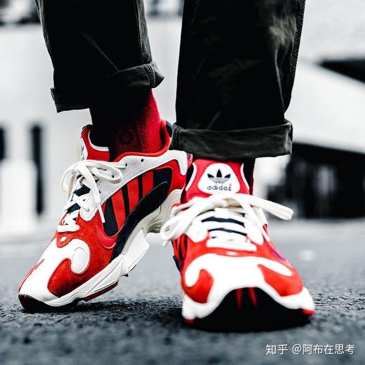 莆田黄石阿迪鞋子,阿迪最帅老爹鞋Yung—1