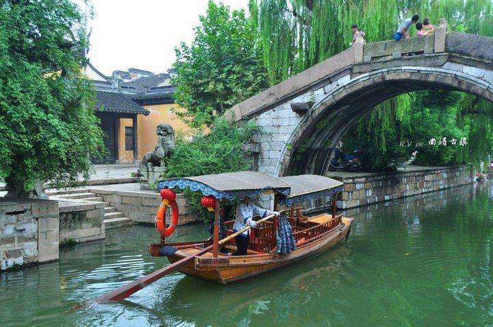 杭州必去的三条街(杭州最值得去的七个景点)