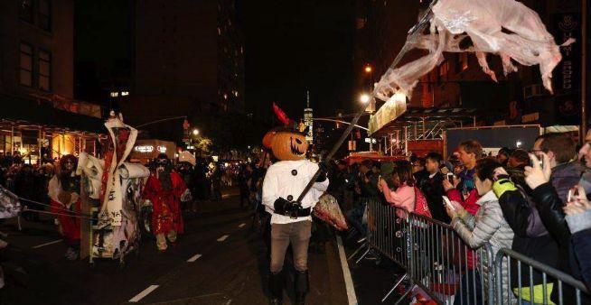 万圣节快来了,不如和动物们一起在街上狂欢吧- 知乎