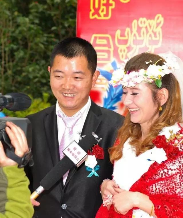 正确认识维汉通婚现象,使维汉通婚恢复正常化,破解影响新疆社会稳定和长治久安的深层次问题