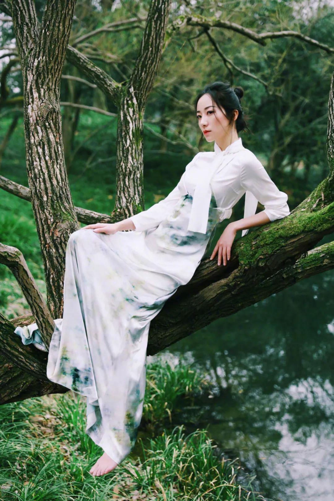 生活时尚_知性美的韩雪,她的脚你喜欢吗? - 知乎
