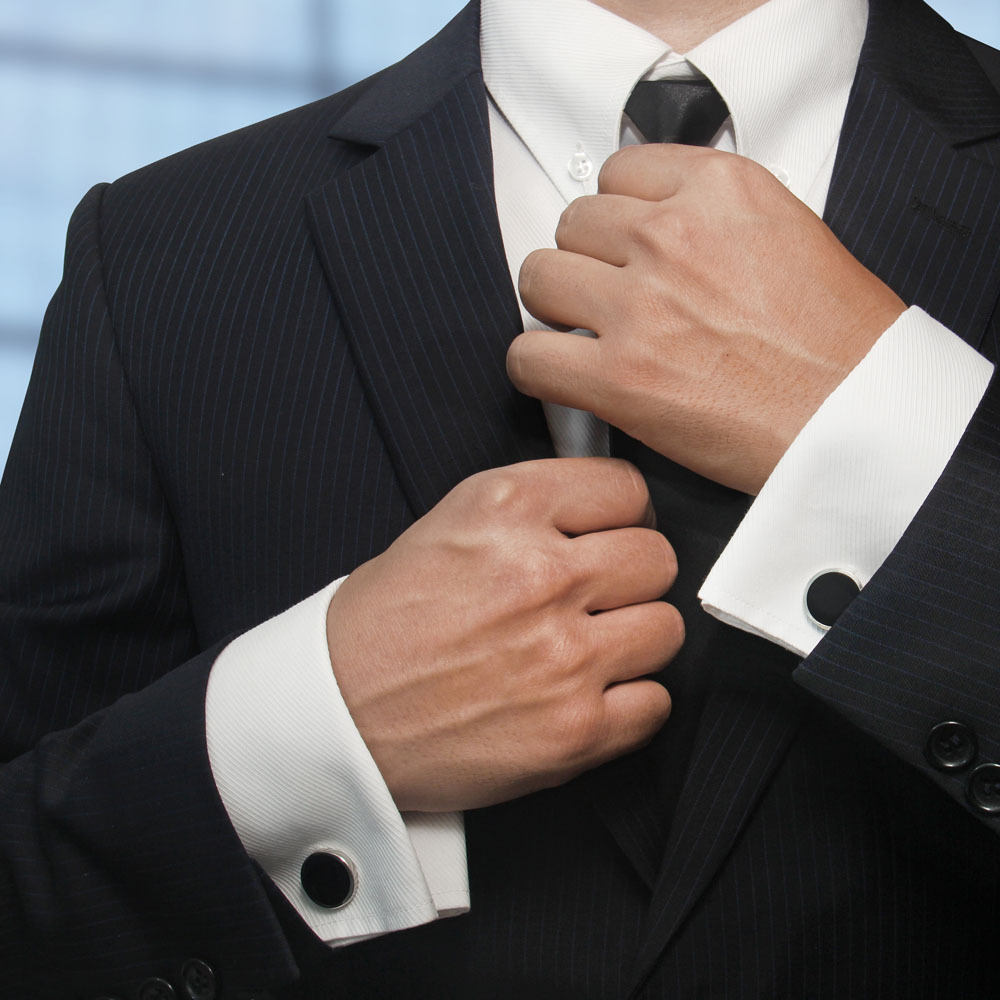 为什么要穿西装打领带 领结和领带哪个更正式