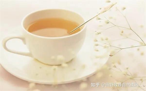 我可以喝蜂蜜水来抑制胃酸吗?你能喝蜂蜜水吗?