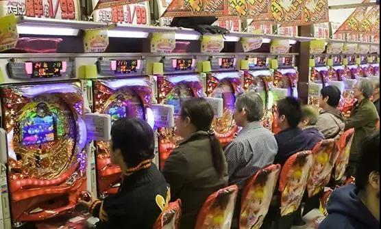 给赌博机做动画是门好生意?日本人玩柏青哥一年花13.5千亿元