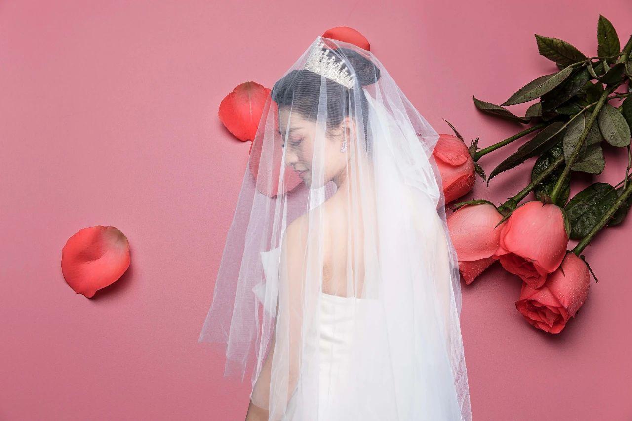 如何用PS扣取透明类的婚纱-设计资源网