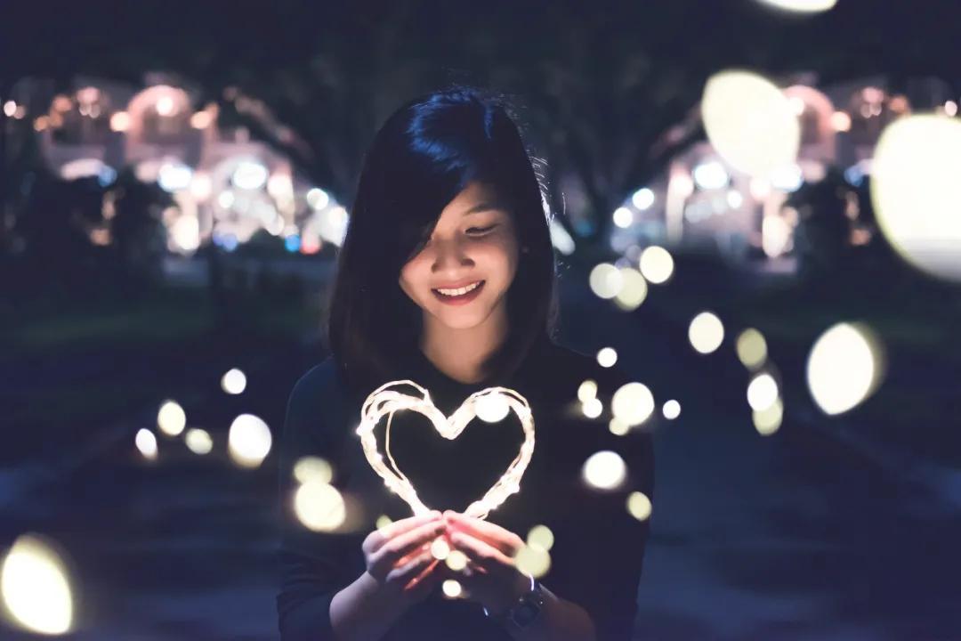 事业、关系、外貌……你对自我的要求,能帮你获得自尊吗?| 谈谈自尊#4「杭州心理咨询
