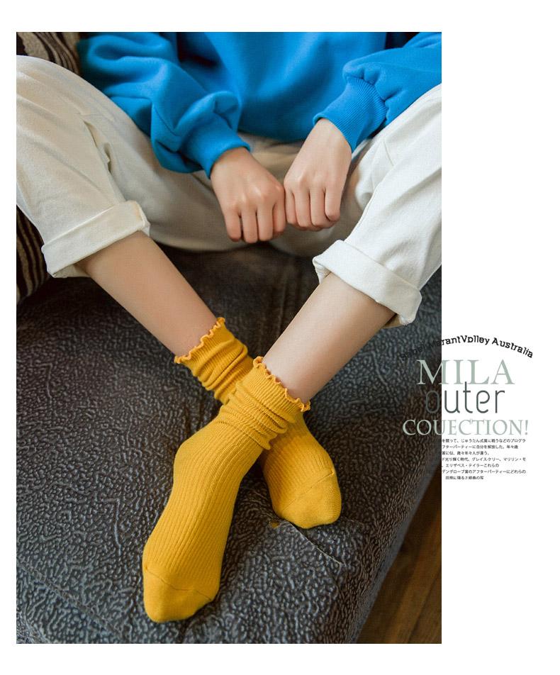 牛仔短裤女秋冬_秋冬年轻女士怎么搭配鞋子和袜子? - 知乎