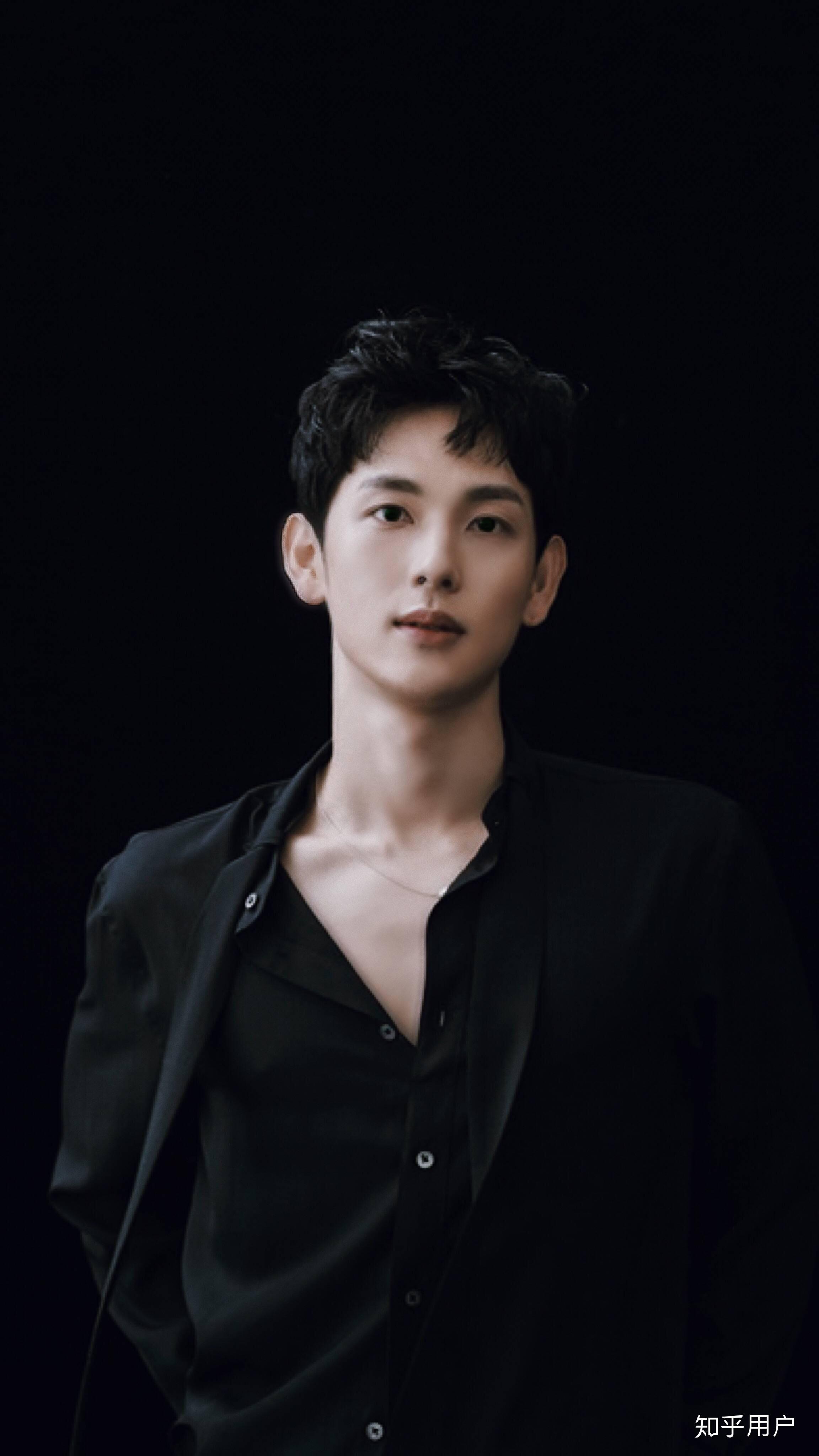 有魅力的男人_如何评价韩国演员任时完的外貌? - 知乎