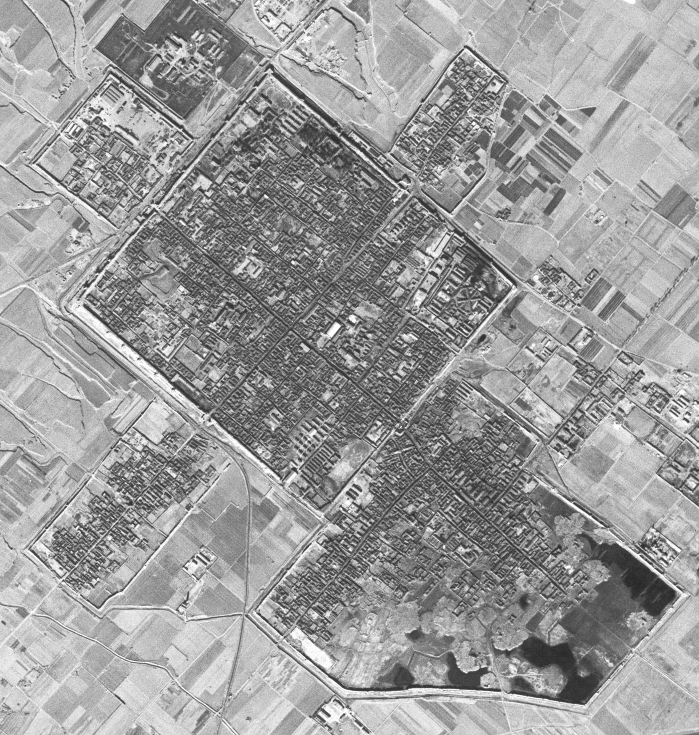 如何下载 50 年前中国各地的高清卫星照片