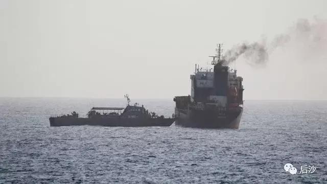 美国在公海扣押别国油轮!穿上西装就不是海盗了?