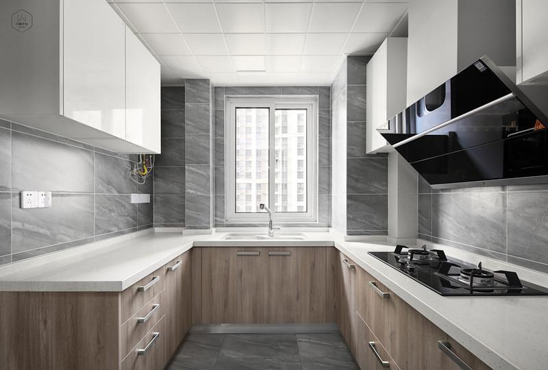 【南通装修室内设计】燃气热水器和电热水器你选哪个?