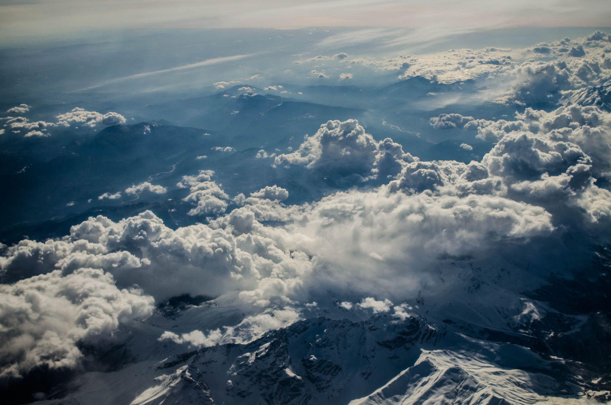 蜜桃少女_有什么云层照片的壁纸? - 知乎