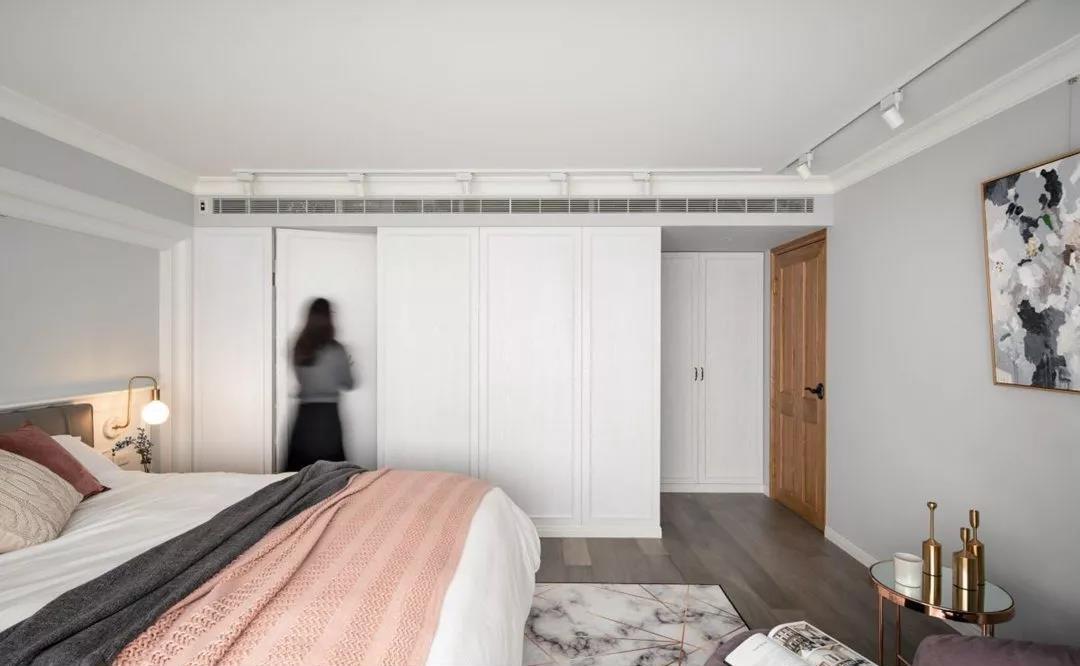 衣帽间_怎么才能让主卧的卫生间门不影响做衣柜,也不直接对着床? - 知乎