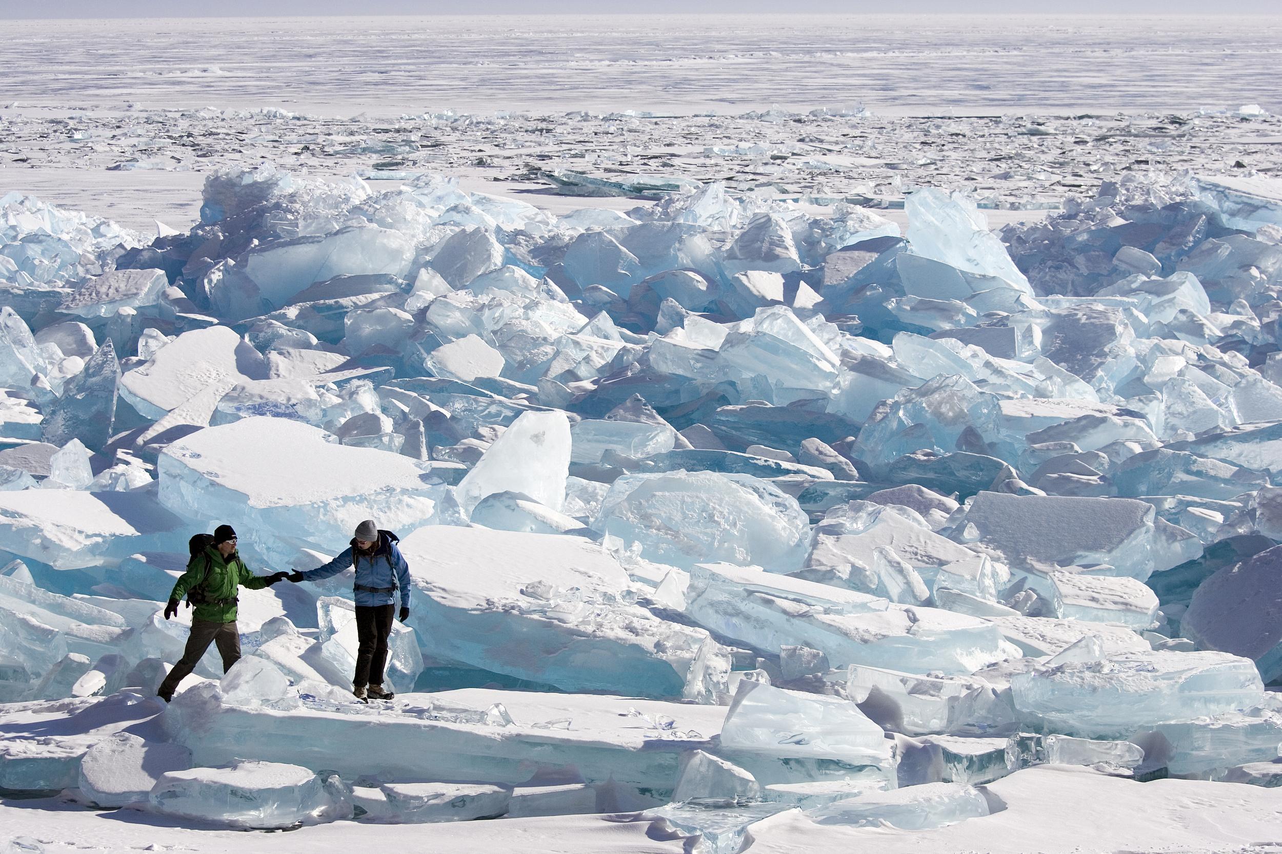 南极最冷的月份是_谁说贝加尔湖只有冬天?让摄影师也抓狂的贝加尔湖金秋 - 知乎