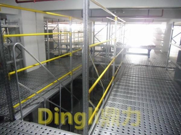 东莞货架定制生产P型孔型立柱的仓储货架