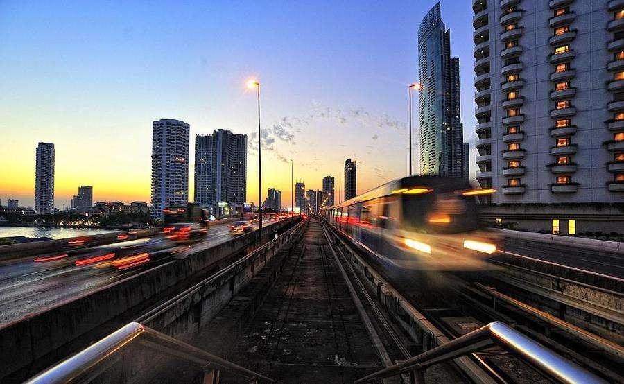 时速比普通地铁2倍还快,高速地铁修建难在哪儿?