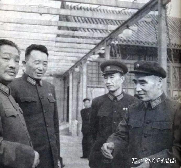 """""""龙虎斗""""的背后:林彪为何要整贺龙,这两人有何恩怨?"""