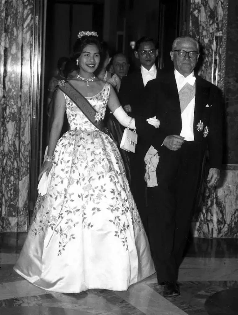 曾经的亚洲最美王后-诗丽吉·吉滴耶功