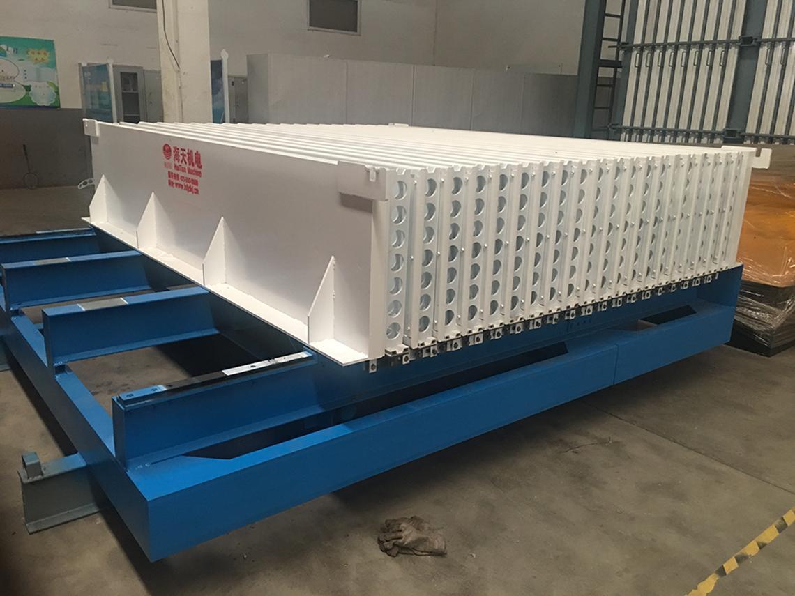 菱镁轻质隔墙板设备生产板材的特点