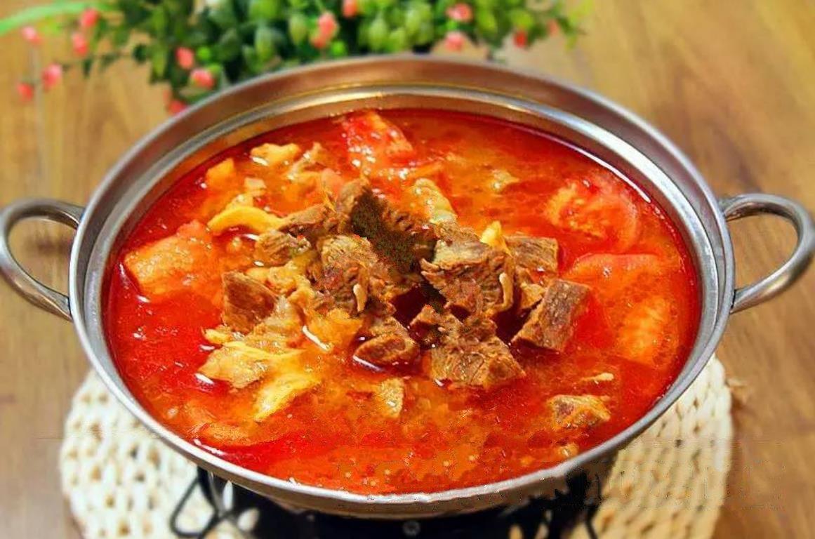 胡萝卜牛肉汤的做法_教你一招,西红柿炖牛腩的做法,汤浓味美、酸甜可口,肉鲜味 ...