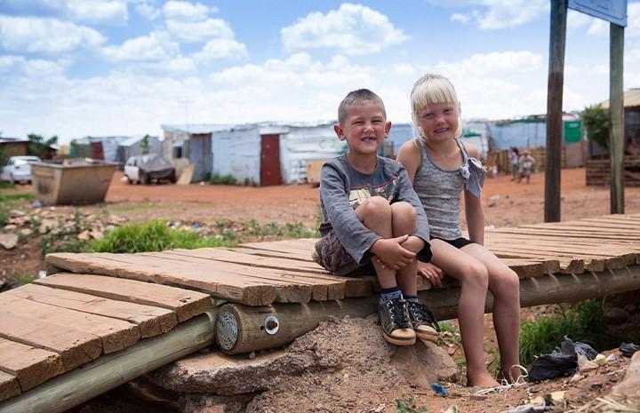 南非白人人口_黑人掌权的南非白人处境如何 他们为何不回欧洲祖国